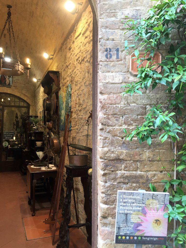 Negozio antiquariato di San Gimignano