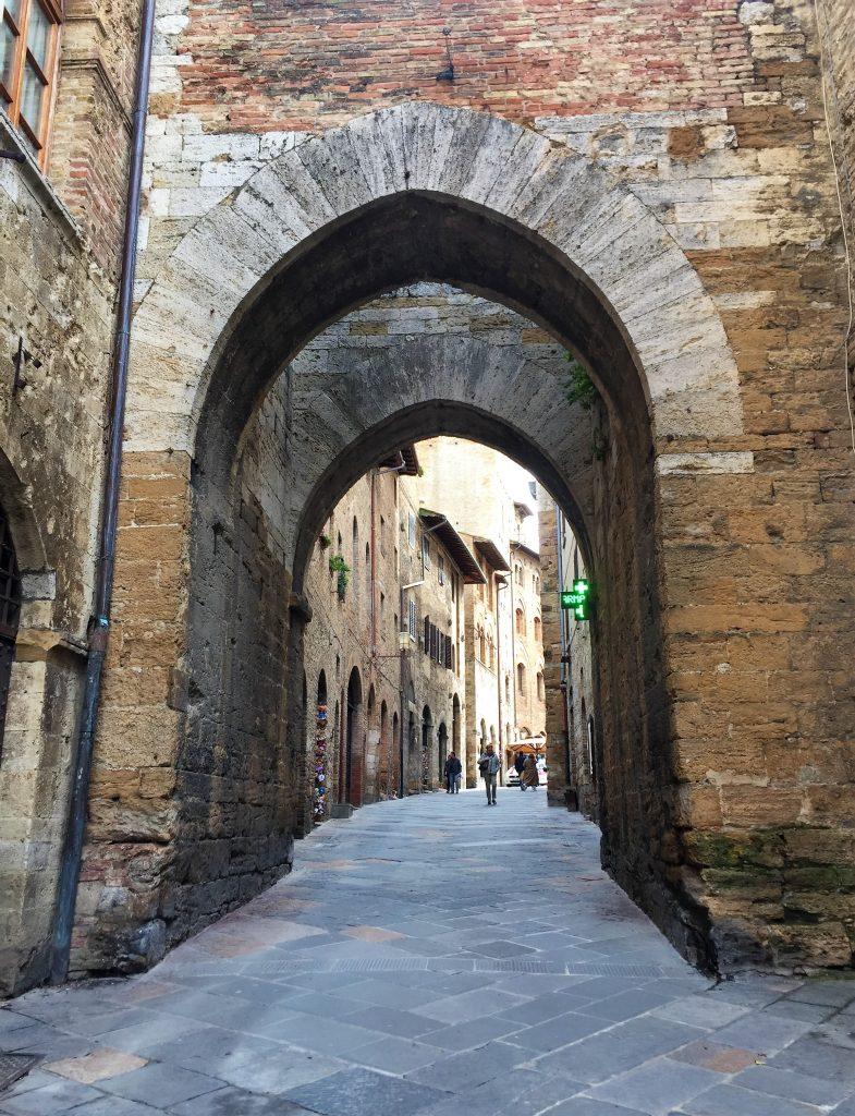 San Gimignano arco