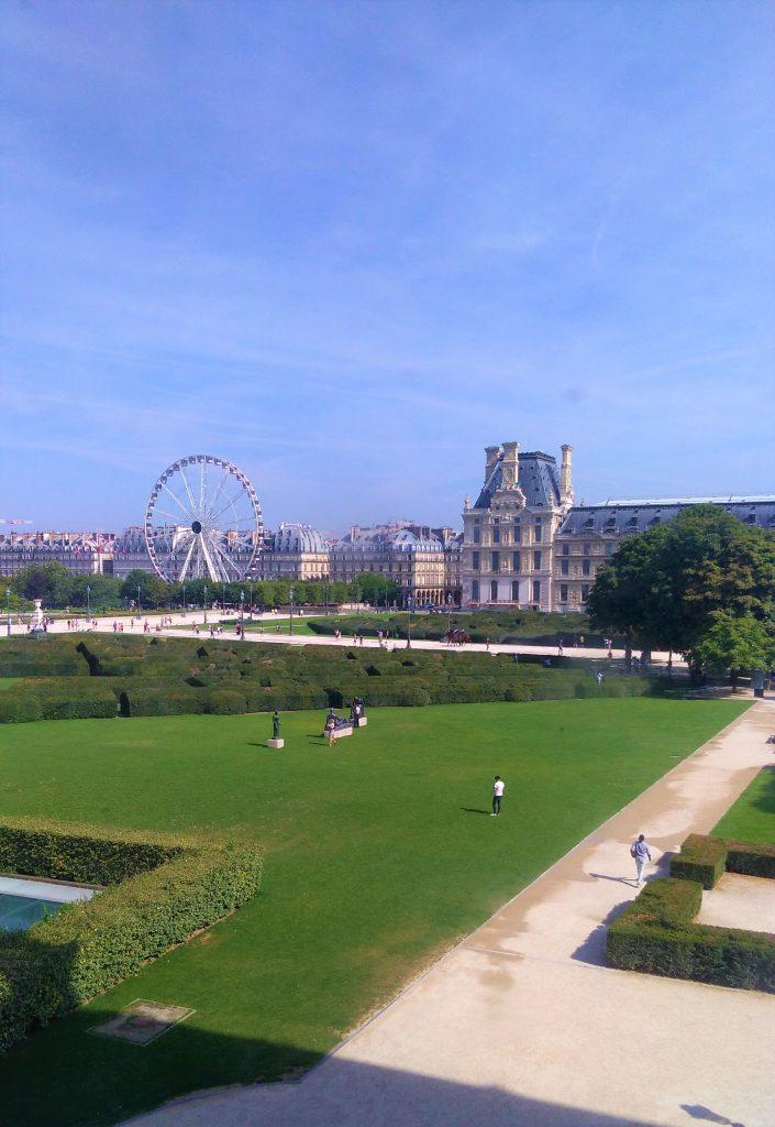 Jardin Tuileries: vista dal Louvre