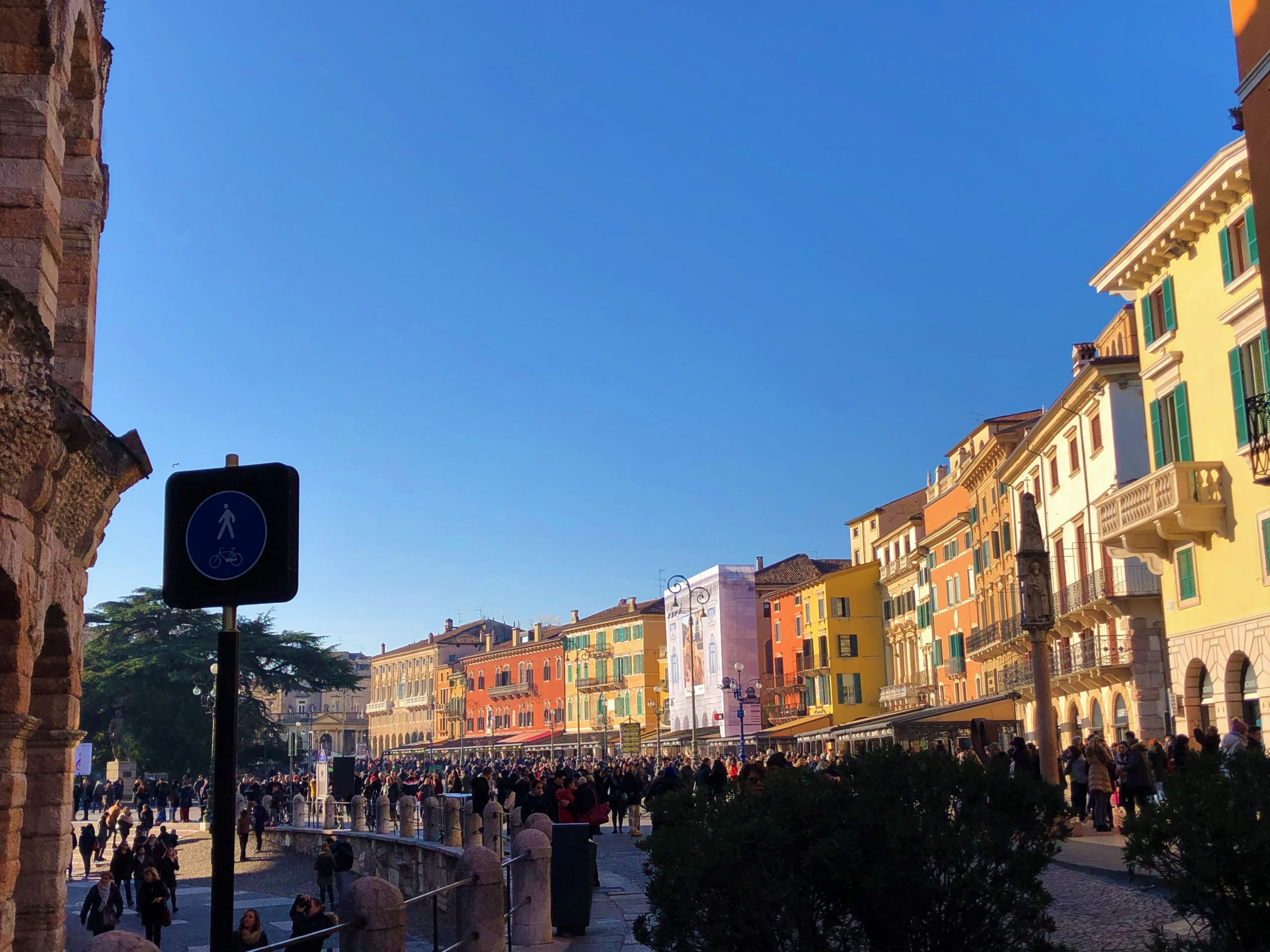 Piazza Bra a Verona. Itinerario