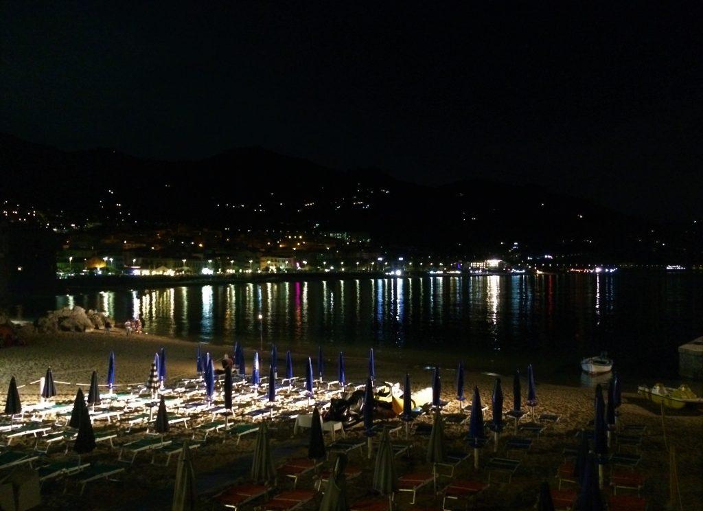 Spiaggia di Cefalù di notte