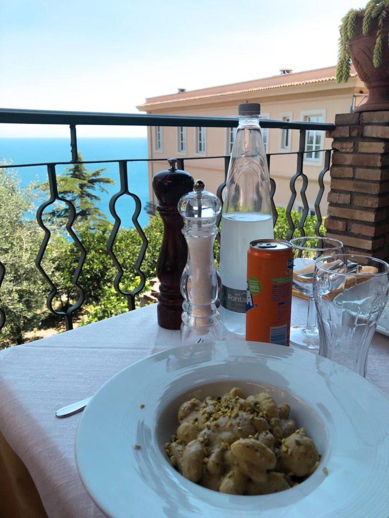 Vista ristorante La Cisterna del Moro Taormina