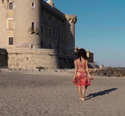 castello odescalchi di palo laziale: passeggiata sulla spiaggia