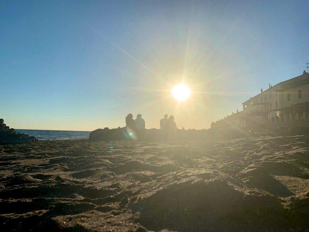 marina di palo al tramonto