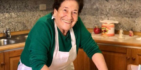 nonna italia che fa le pappardelle
