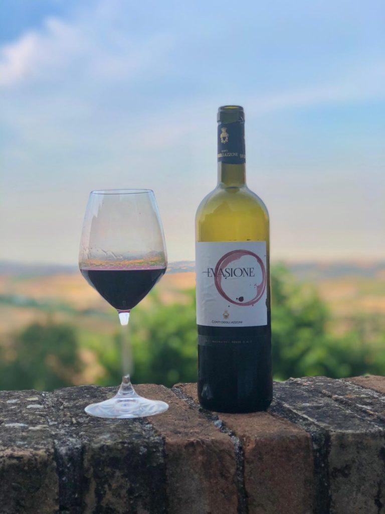 vino e vista panoramica sulle colline