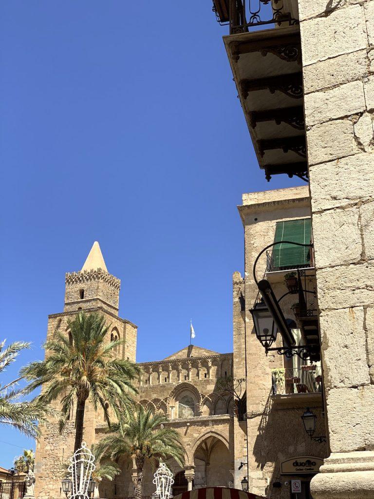 Una delle torri della cattedrale di Cefalù